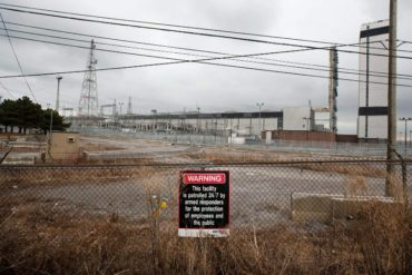 Pickering Nuclear Station 20110316