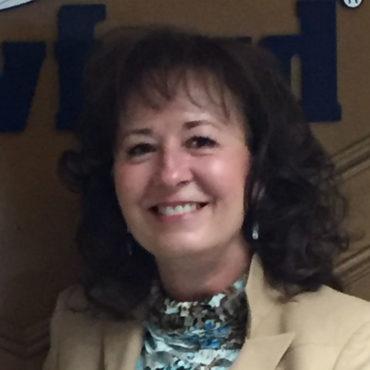 7 Lynn Kelly, Insurance Woman of the Year; senior adjuster, Crawford & Company (Canada) Inc.