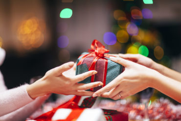 Tips to walk the gift-giving line